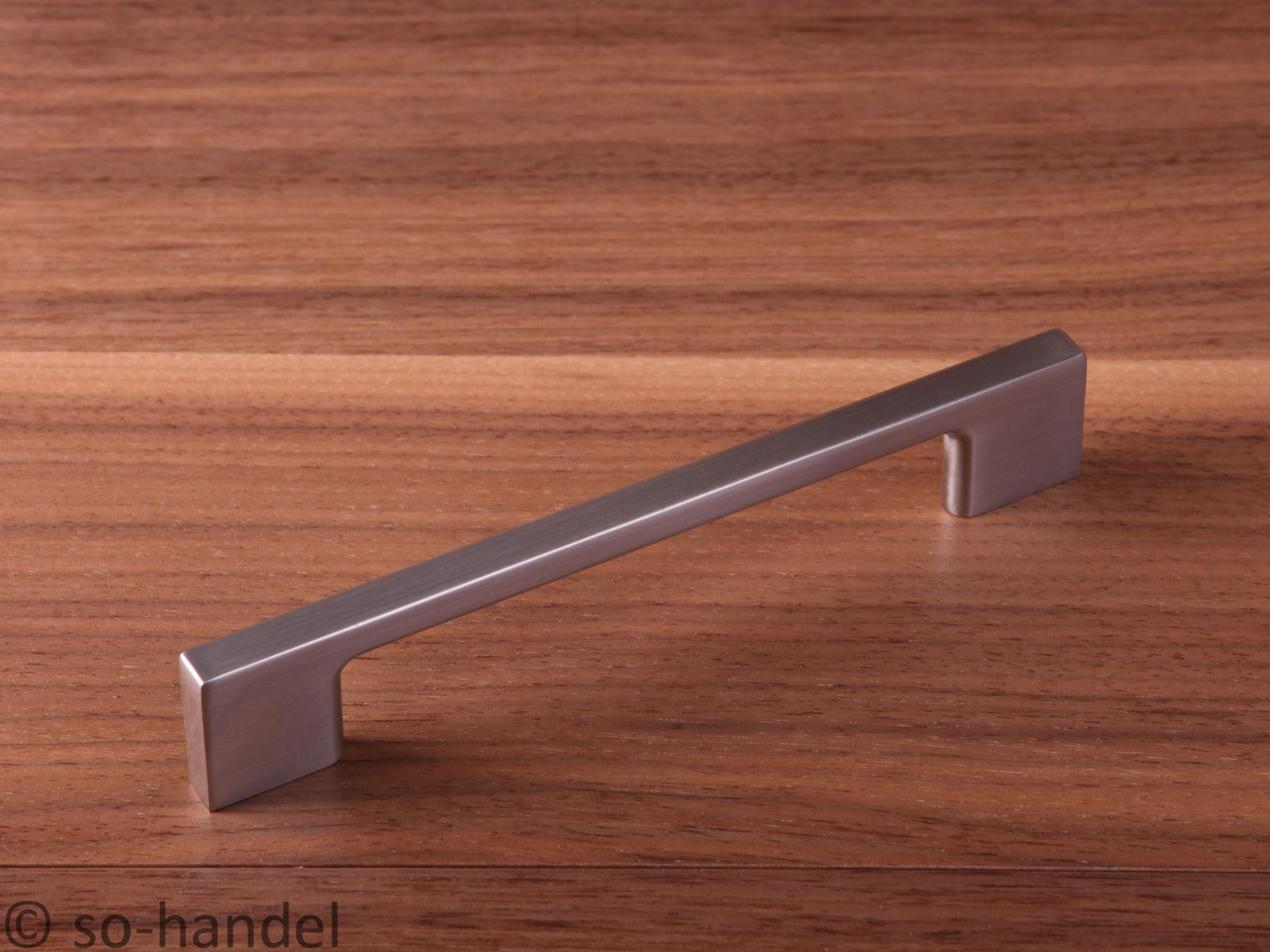 M belgriffe in edelstahl fi 128 mm schrankgriffe for Mobelgriffe edelstahl 128 mm